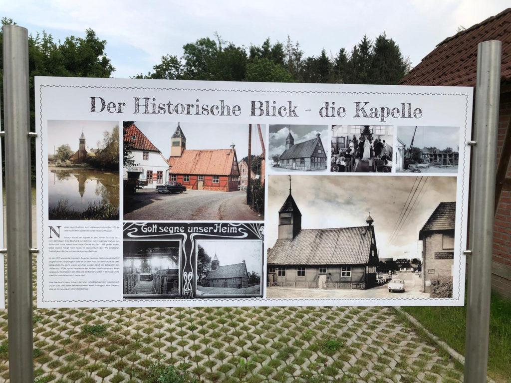 Tafel mit Informationen über die alte Kapelle